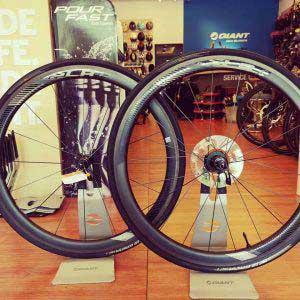 Giant SLR 1 42MM Carbon Tubeless Road Wheels